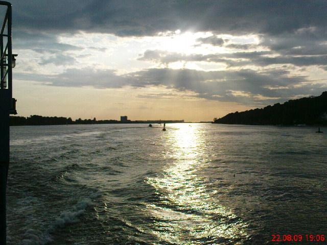Lichtspiele auf der Elbe