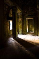 Lichtstimmung im Tempel