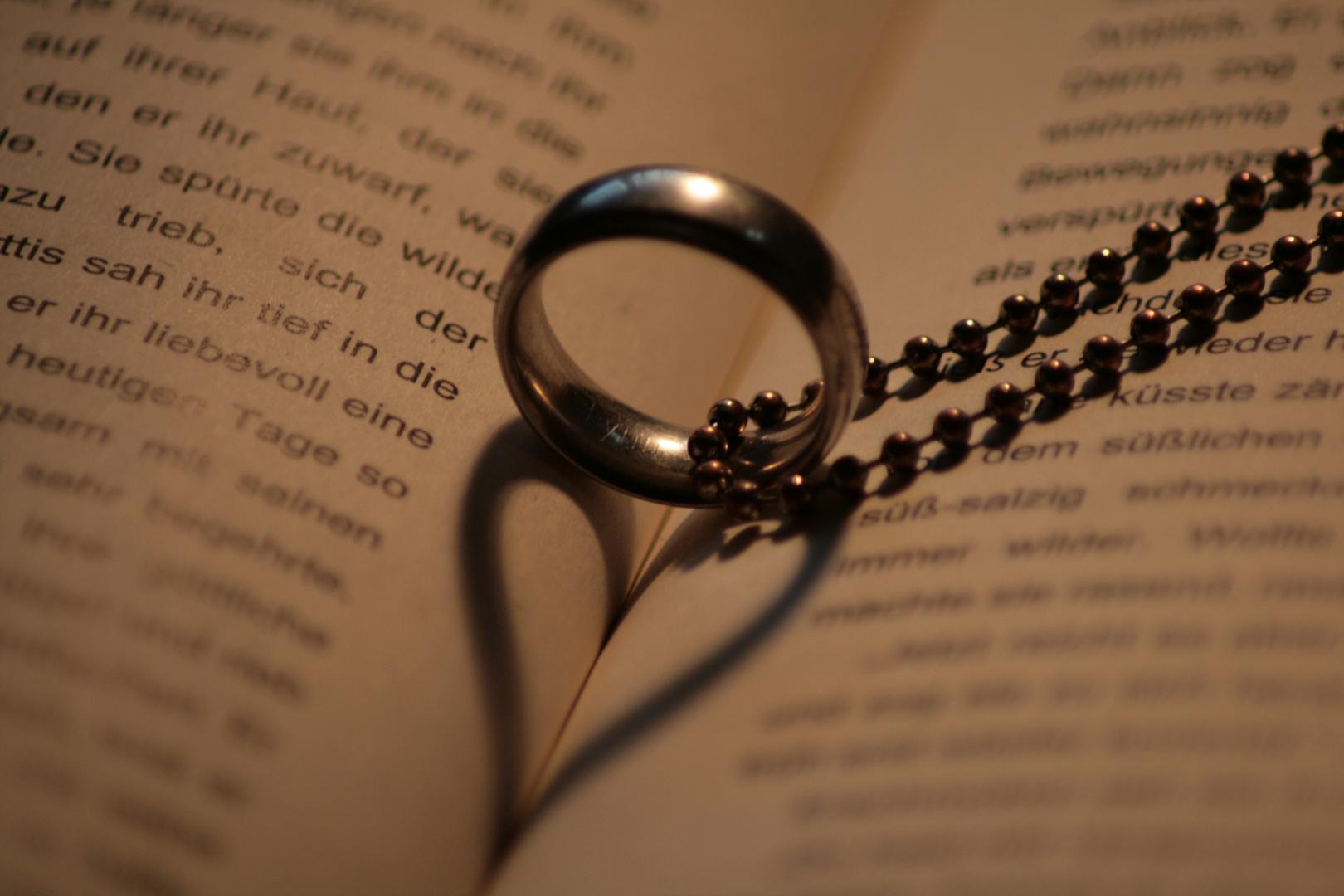 Liebe Ist Nicht Nur Ein Wort Foto Bild Stillleben Schreiben
