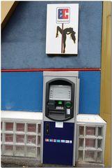 Liebe mit EC-Karte bezahlen? - wenn kein Lesegerät vorhanden,  vorher hier  Geld abheben