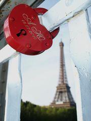 Liebe unterm Eiffelturm