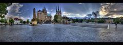 Liebespaar auf dem Domplatz Erfurt ;-)