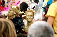 Life Ball Wien 2007 / Golden Girl gives golden Smile