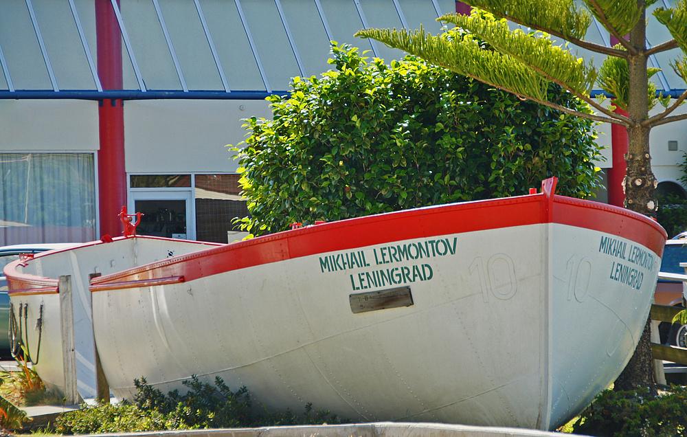..Life Boat 10..