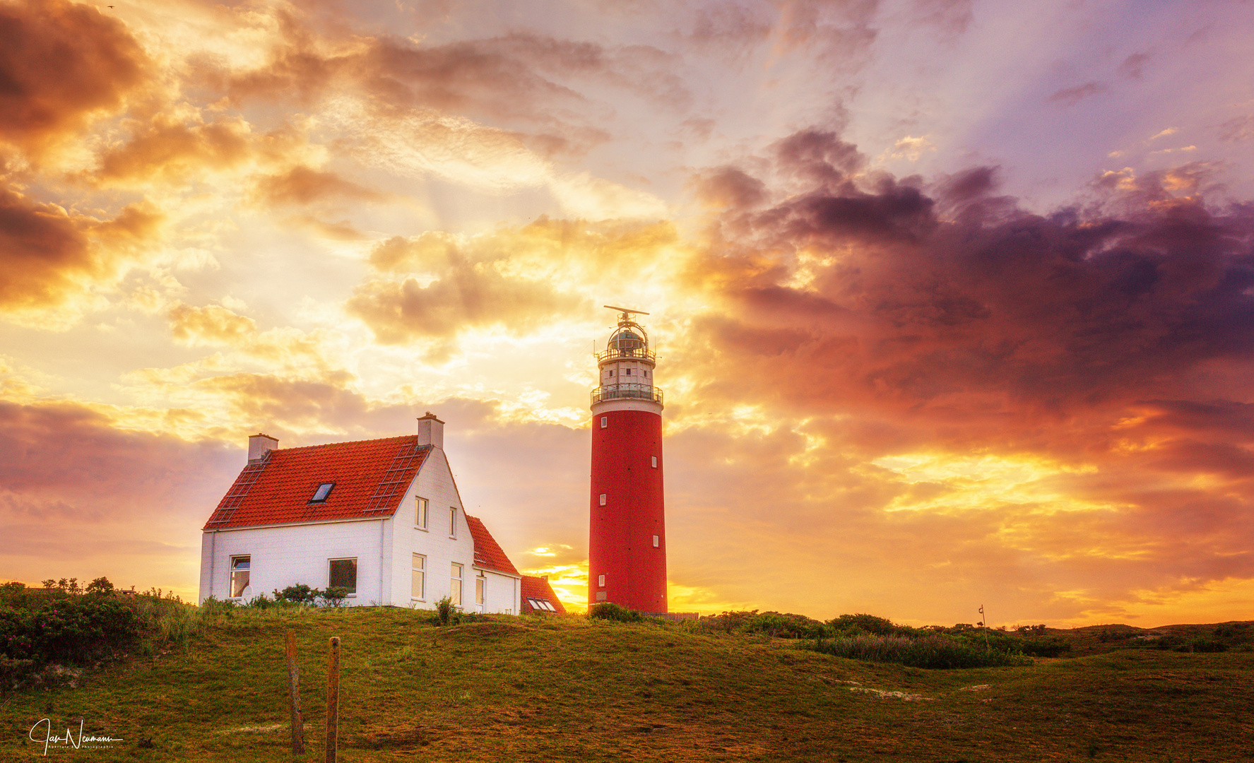 Lighthouse sundown