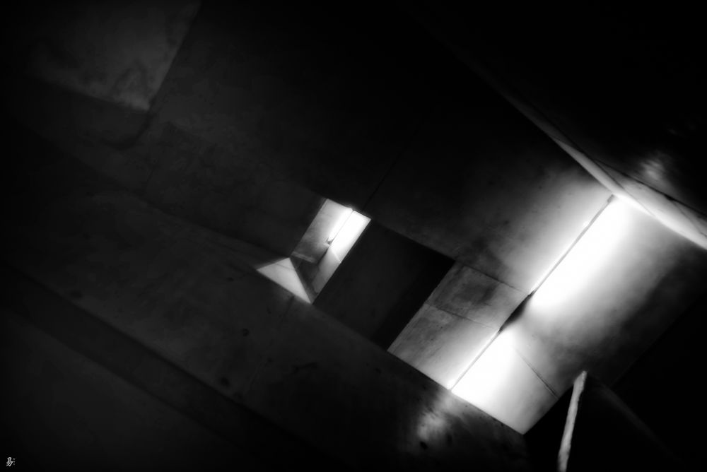 light.room.escape.way