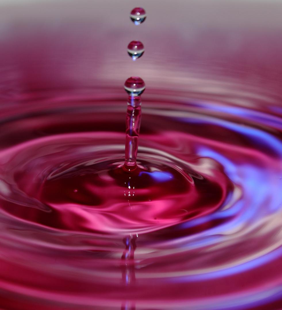 Lila Wassertropfen