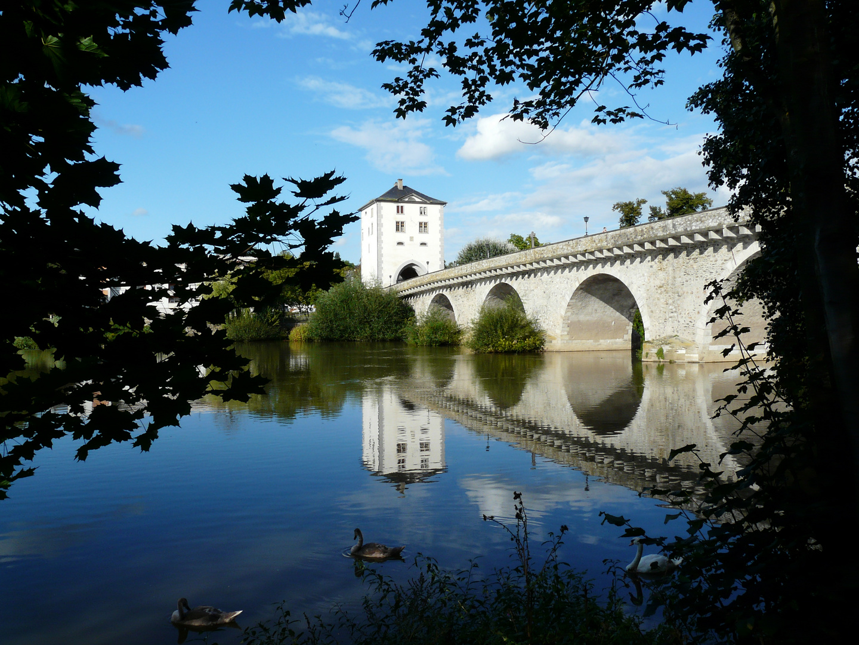 Limburg die alte Lahn Brücke.
