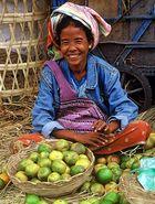 Limonenverkäuferin, Markt in Mandalay