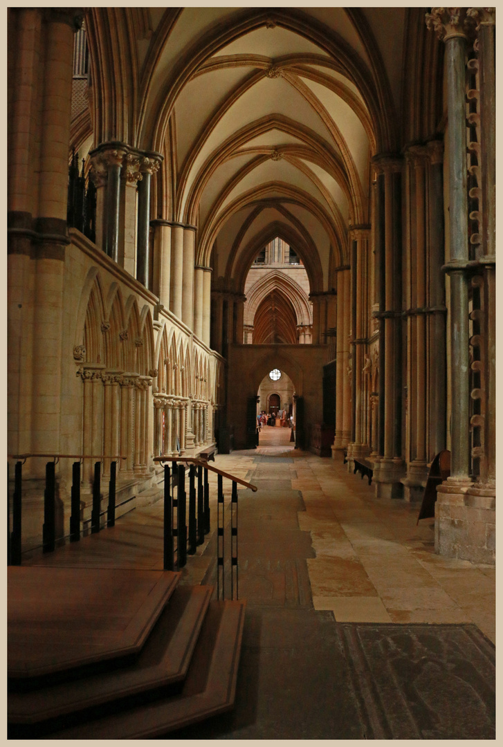 Lincoln cathedral interior 1