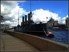 L'incrociatore Aurora..S.Pietroburgo