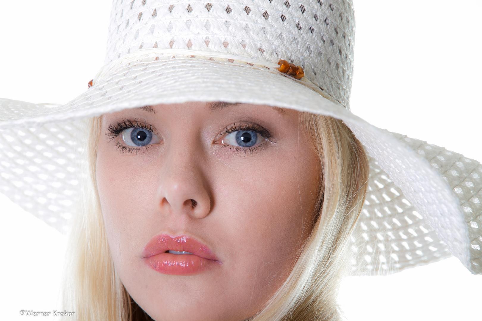 ...Linda... aus der Ferrero-Werbung ;-)