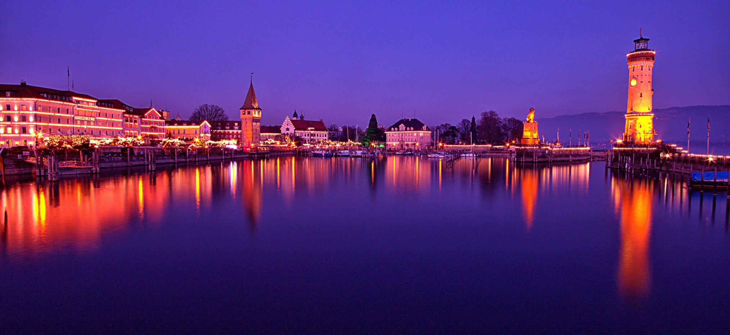 Lindau Weihnachtsmarkt.Lindauer Hafenweihnacht Foto Bild Wasser Hafen Turm Bilder Auf