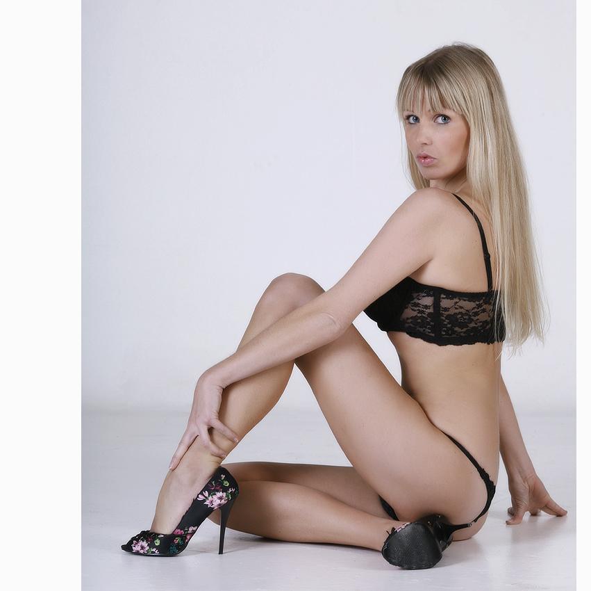 > lingerie