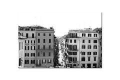 Links und Rechts des Weges die Häuser
