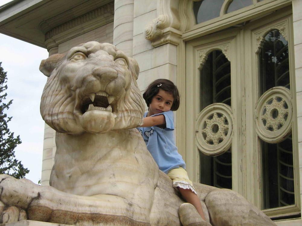 lion&baby
