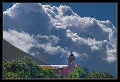 Liparische Inseln - Wolken über Salina