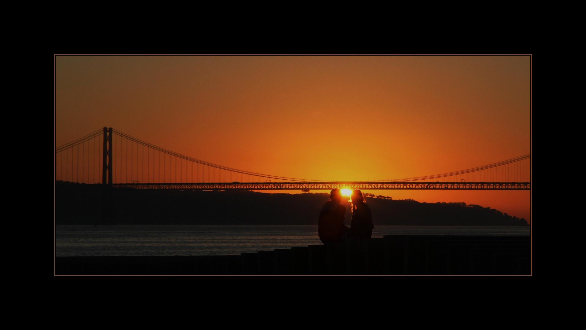 Lisboa Loving Sunset