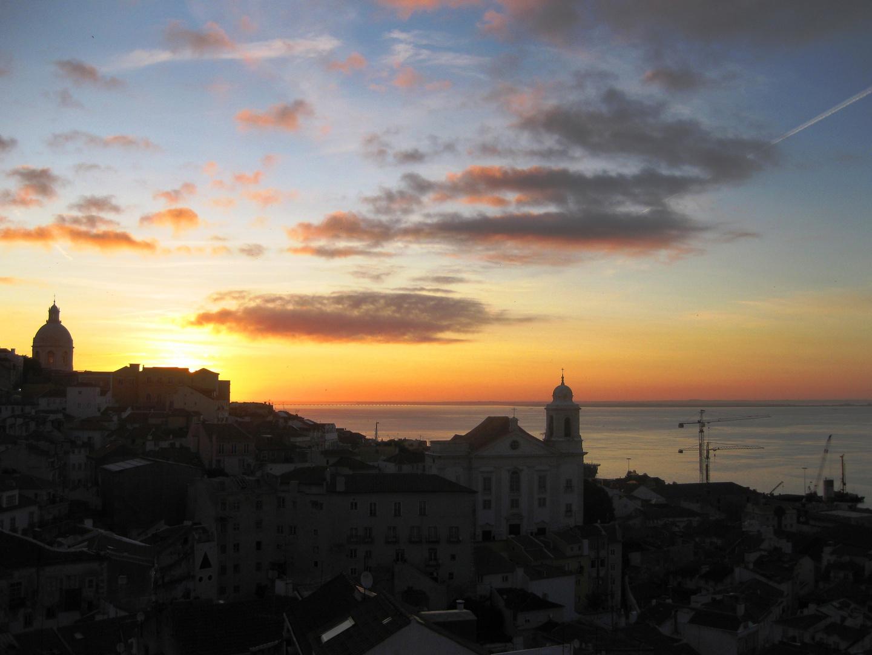 Lisboa Sonnenaufgang am Tejo