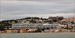 Lisboa vue de la rive sud du Tejo.