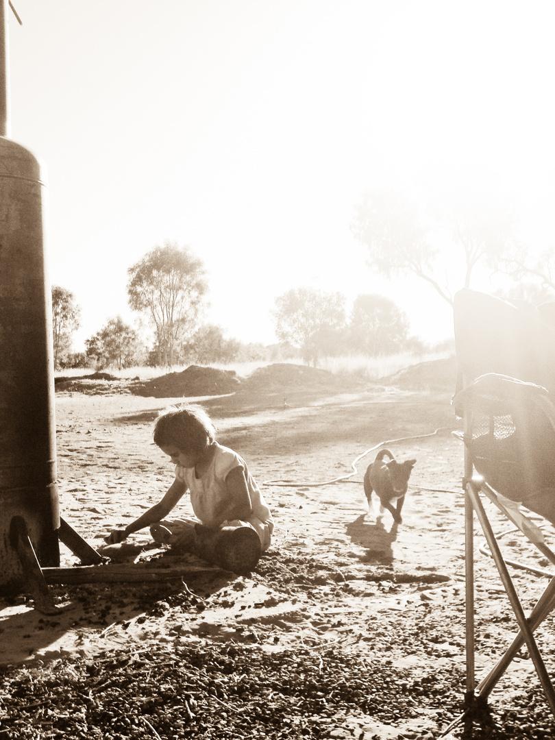 little aborigine girl