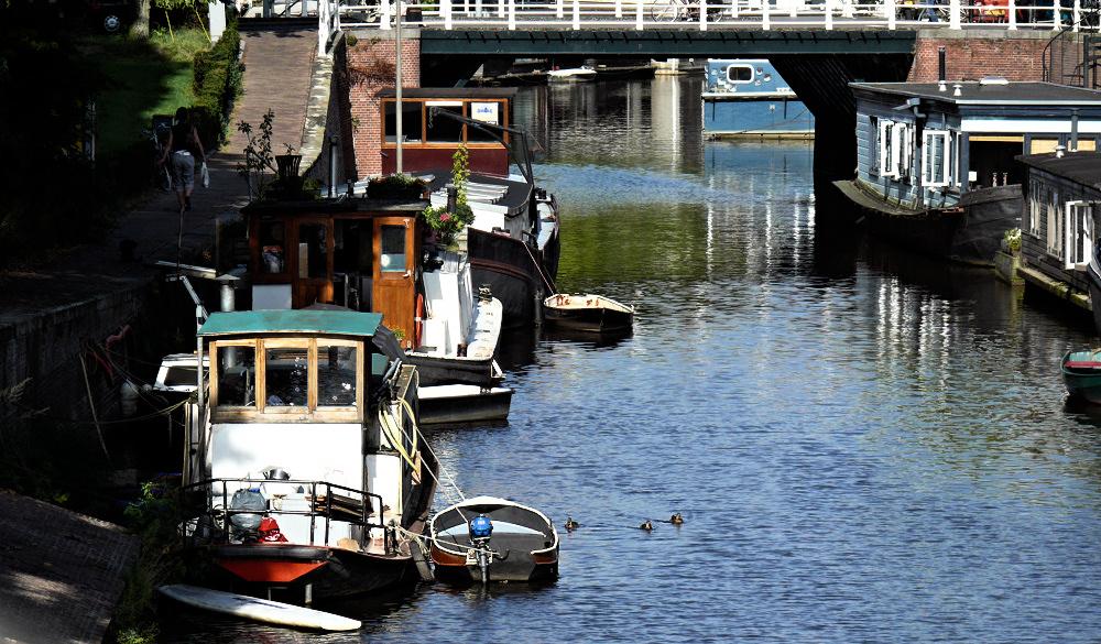 Living on old ships in Groningen