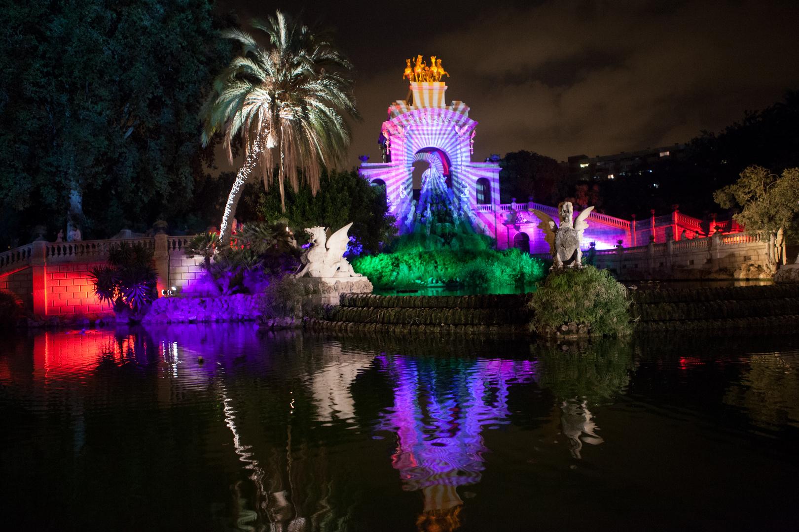 Llums en l'estany de la Ciutadella