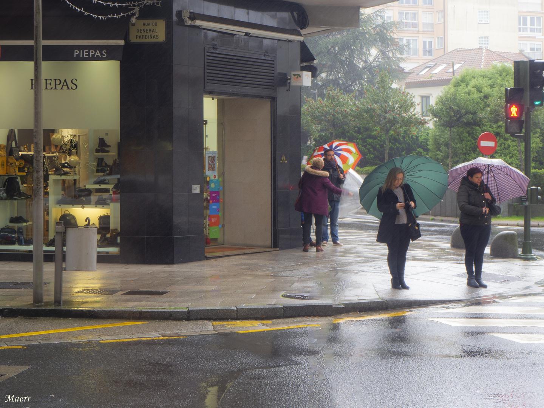 Lluvia y paraguas.
