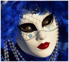Lo sguardo della maschera