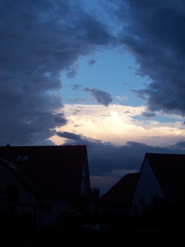 Loch in den Wolken