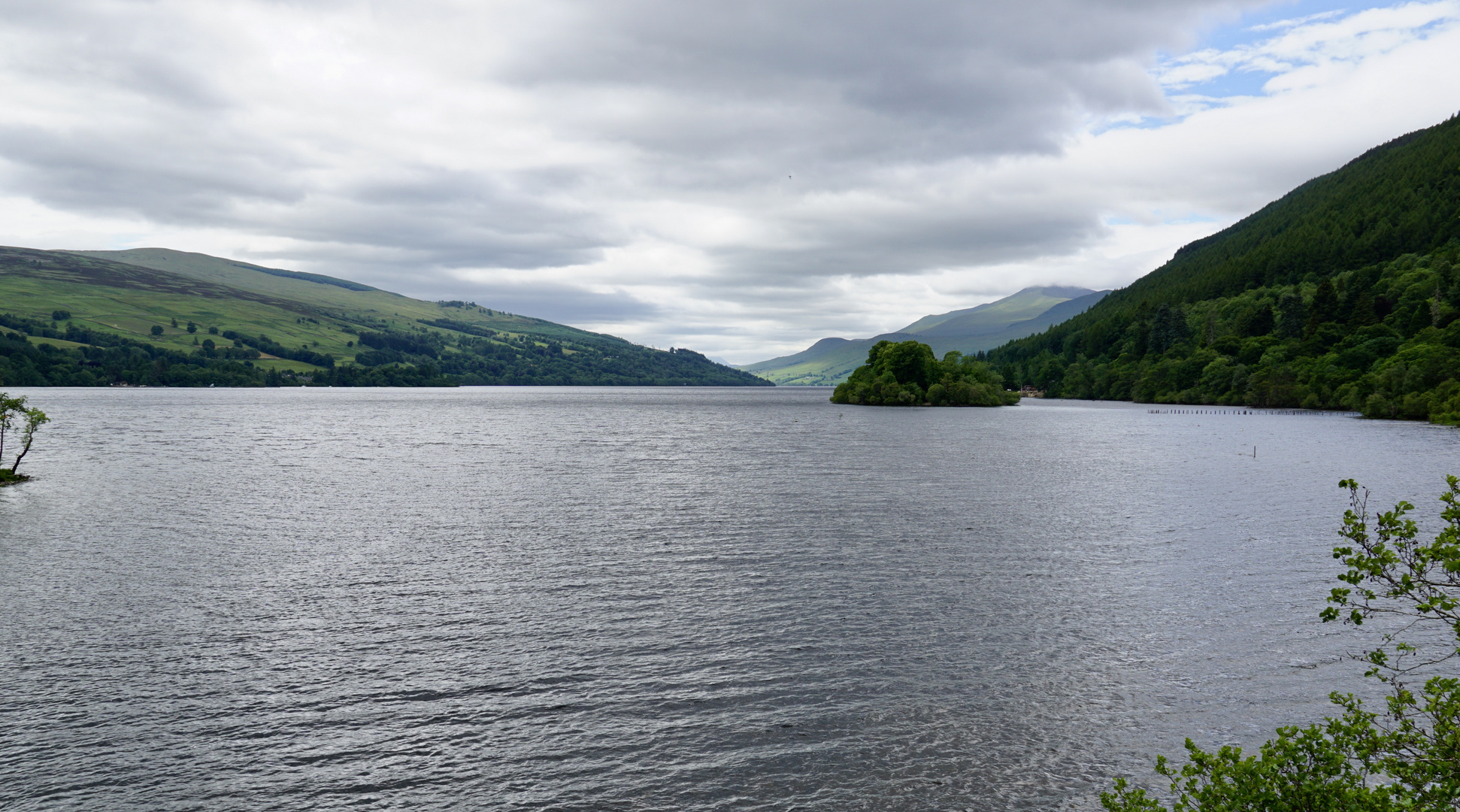 Loch Tay / Auch Schottland kann Grün