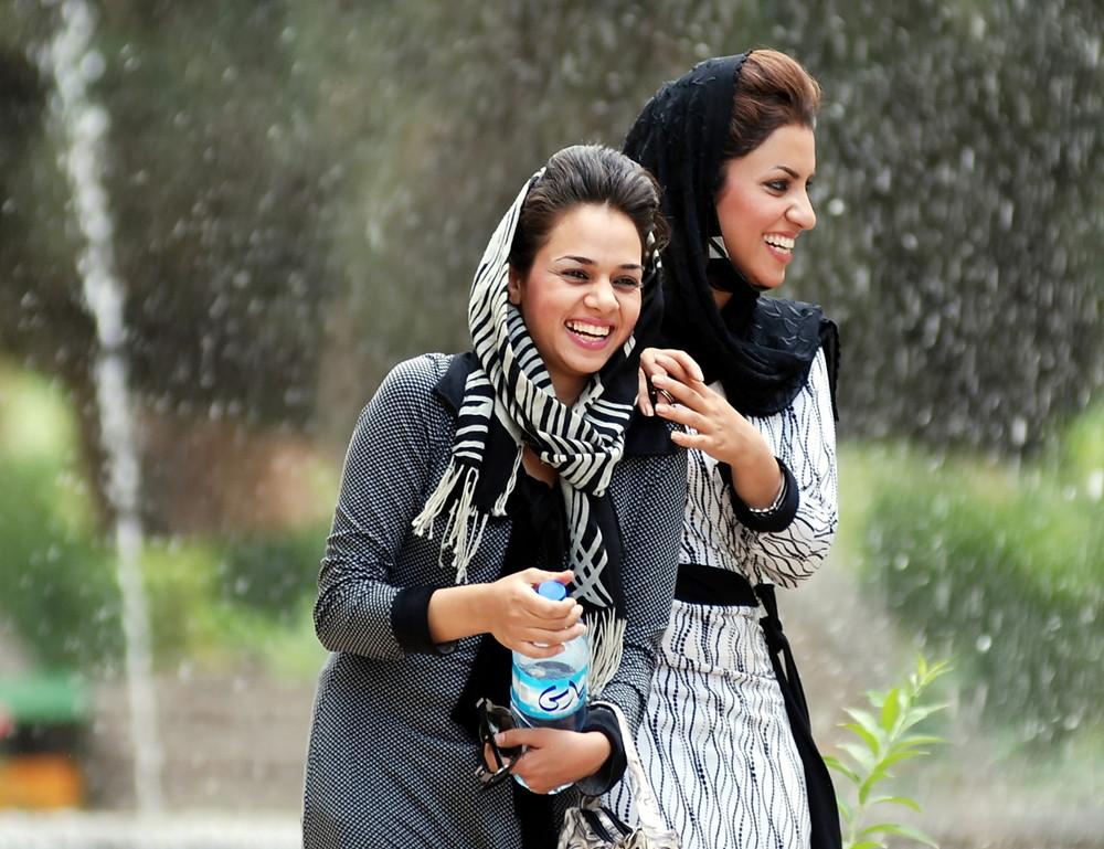 Lockere Frauen im Iran 2