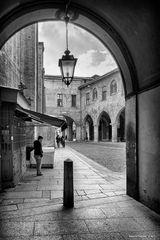 Lodi, Piazza Broletto, portico