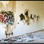 Löcher in der Wand.