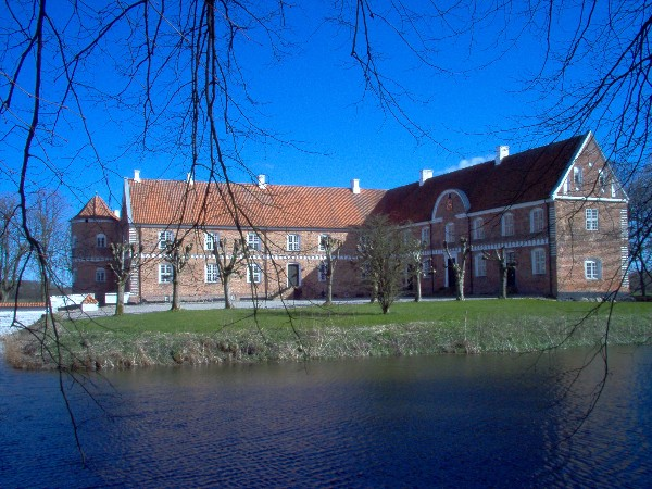 Loevenholm Castle