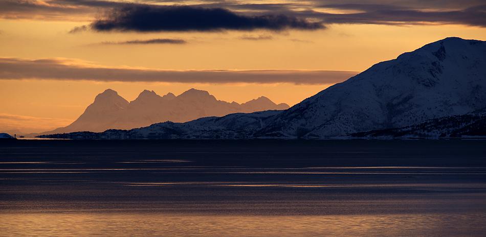 Lofoten im Winter – Abendstimmung gegen Süden