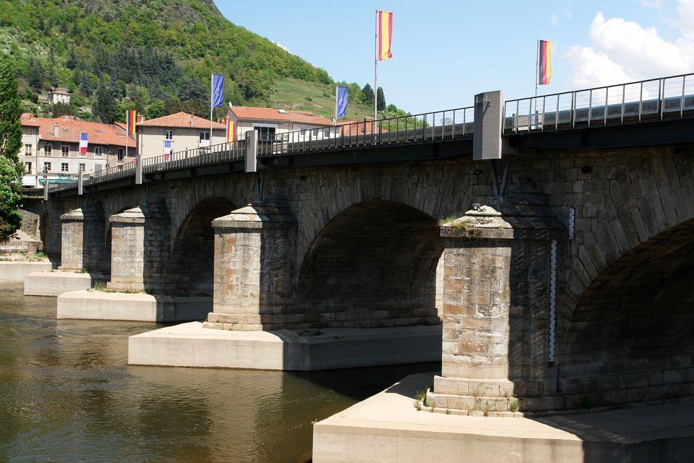 Loire-Brücke in Brives-Charensac