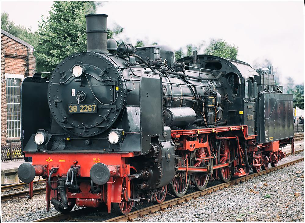 Lok 38 2267