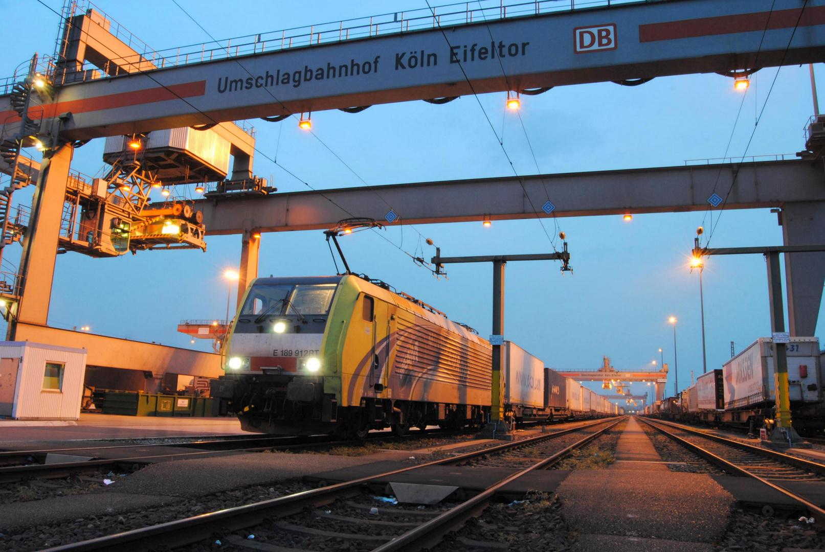 Lokomotion 189 912-9 in Köln - Eifeltor