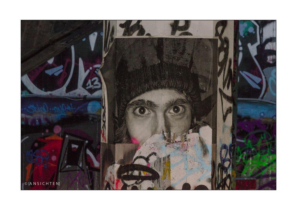 London 018 - Eyes in the Dark