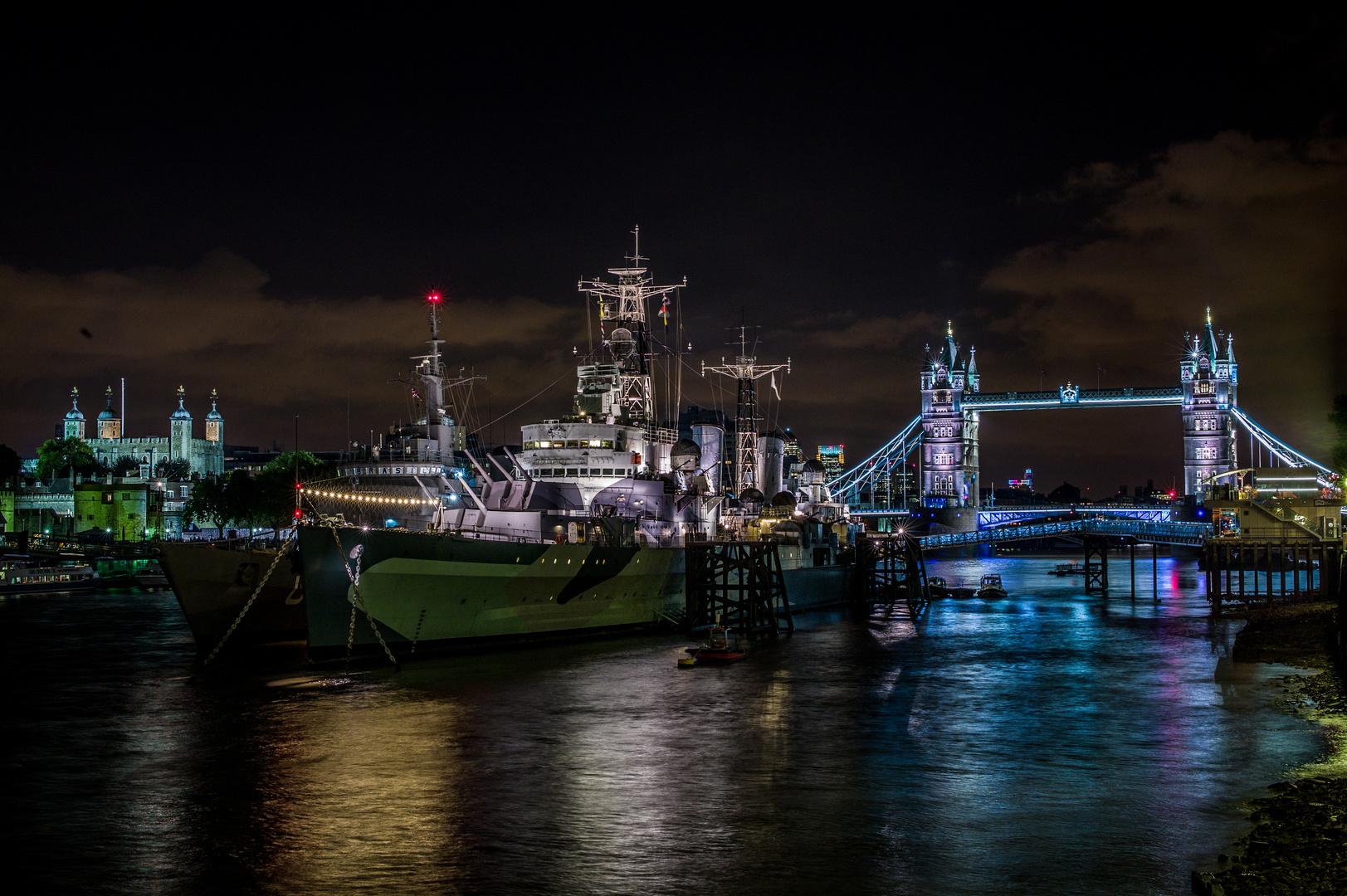 London by Night (II)