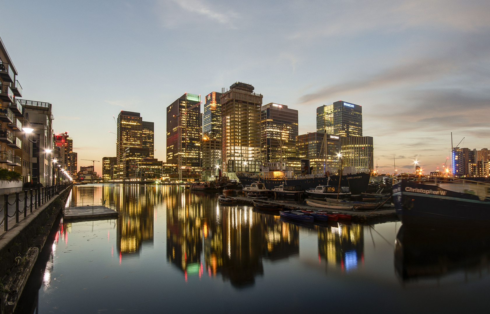 London - Canary Wharf - South Quai Walk - 06