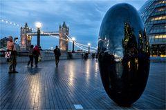 London Ei..
