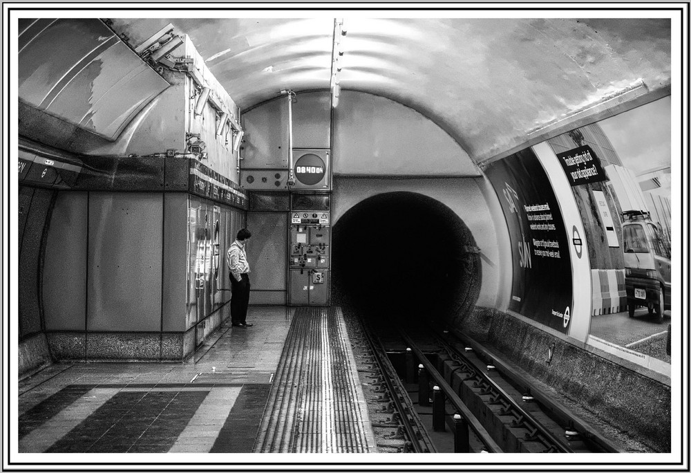 London Tube, the black hole