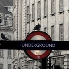 London Underground-Piccadilly Circus <3