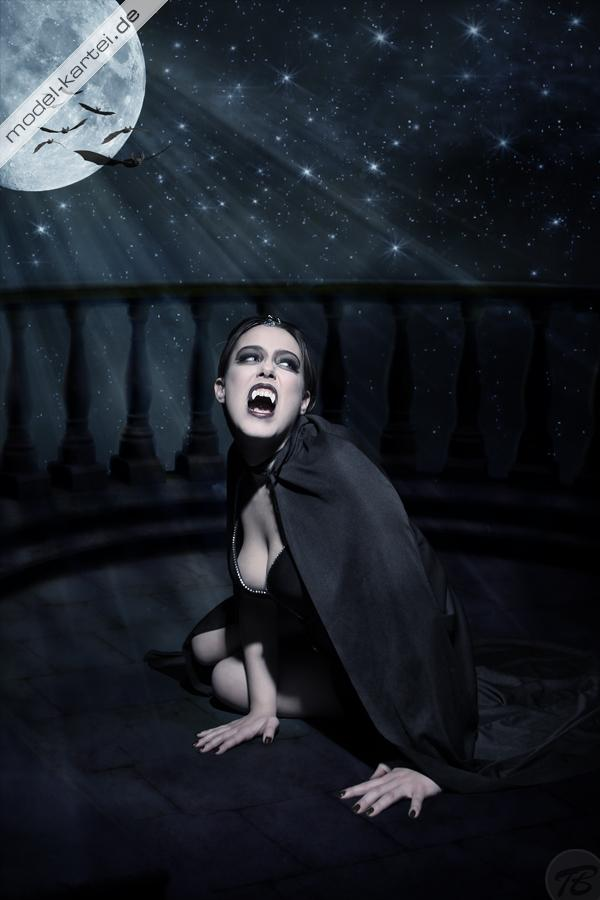 Lonesome Vampire Lady