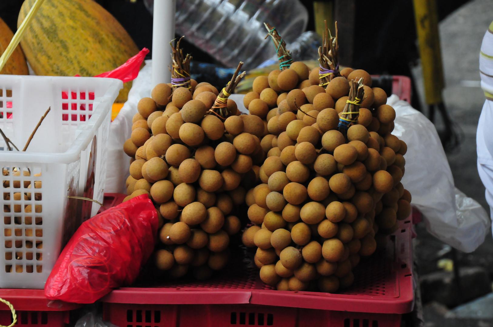 """"""" Longgan """" , Manila - Sta. Cruz  Markt 2012"""