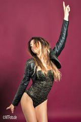 LOOK DANCE Mo-ca-063-col +Studioportraits