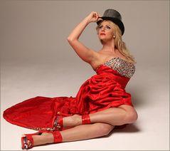 LOOK im roten Kleid Ja-96