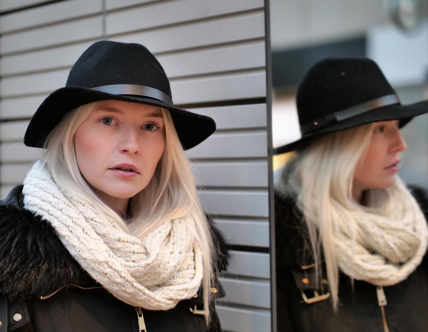 LOOK Portrait street Al-P9-19-85-col +4Fotos